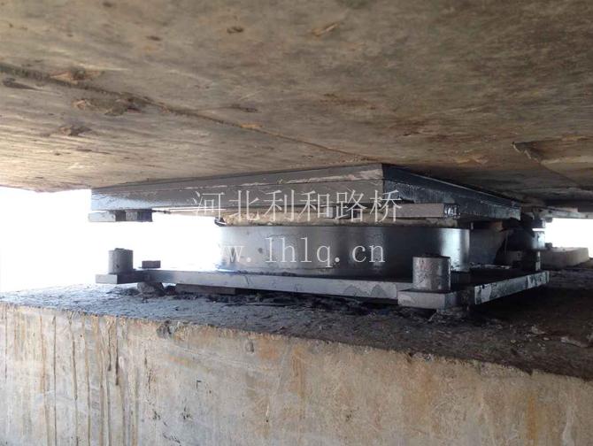 合福高铁巢湖段5000kn加楔型钢板